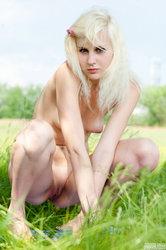 http://img24.imageporter.com/i/01857/756j1cfw8n8h_t.jpg